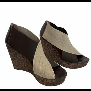 Browns Tan and brown elastic wedges size 39